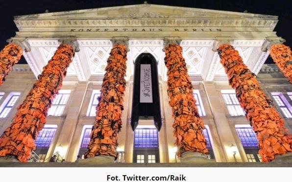 berlin-kamizelki-pomnik