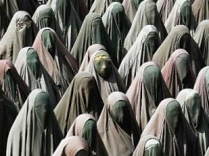 Dzisiejsze feministki nie zajmują się takimi rzeczami, fot: dalje.com