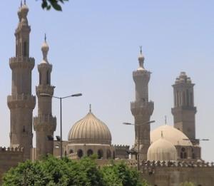Fragment al-Ahzar, ogromnej uczelni w Kairze, która masowo wydaje fatwy