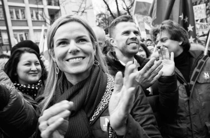 Gdy Nowoczesna będzie rządziła - Polacy będą tacy uśmiechnięci, fot: program Nowoczesnej, strona 29